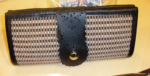 Small_Clutch_made_from_Carpet_Sample