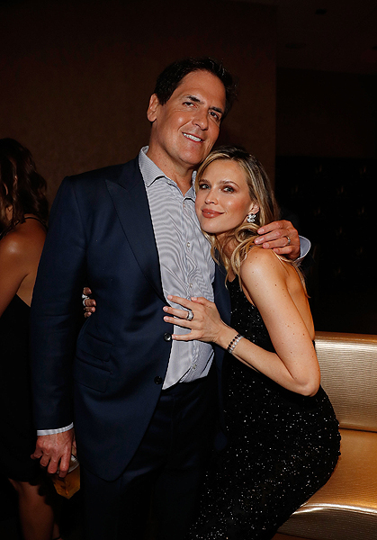 Mark Cuban and Sara Foster hang out at the Virginia Black VIP Lounge at the 2017 Billboard Music Awards