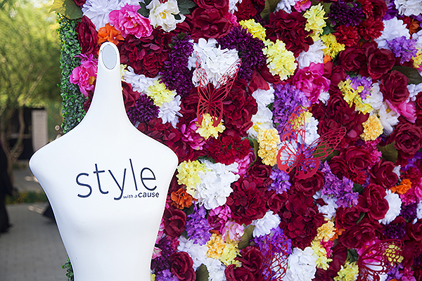 Style With A Cause flower wall - Photo credit: Lucinda Flint Photography