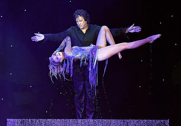 Greg Gleason in Masters of Illusion at Ballys Las Vegas credit Ethan Miller for Masters of Illusion Las Vegas 6