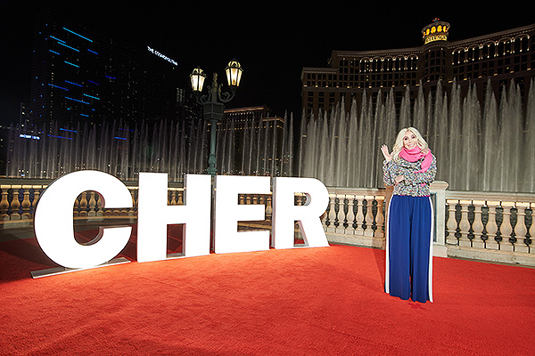 Cher at Fountains Show Debut at Bellagio 03 Photo by Al Powers for Bellagio