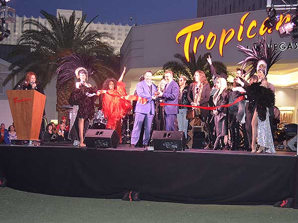 Legends in Concert Opens at the Tropicana - Photo credit: Stephen Thorburn