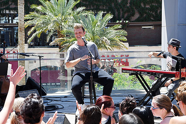 Nick Carter performs private acoustic set at Influence The POOL at The LINQ Saturday April 27 9