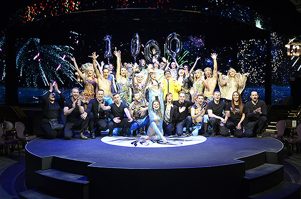Cast of WOW: The Las Vegas Spectacular - Photo credit: Stephen Thorburn