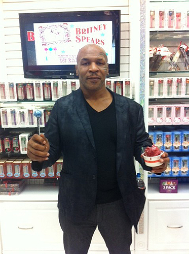 Mike Tyson at Sugar Factory in Miracle Mile Shops