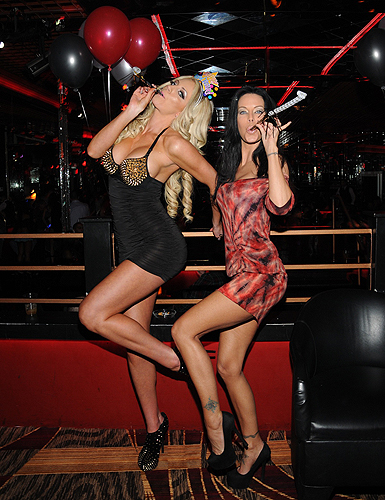 Nicolette Shea and Tabitha Stevens partying