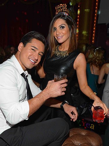 Beachers Madhouse NYE14 Mario Lopez Courtney Mazza Lo