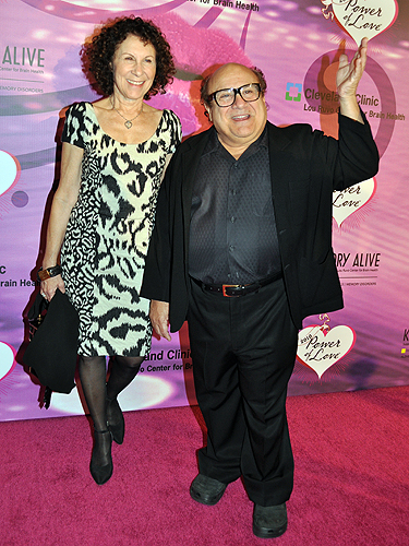 Rhea_Perlman_and_Danny_DeVito_Power_of_Love_086