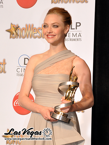 2010_ShoWest_Amanda_Seyfried_115