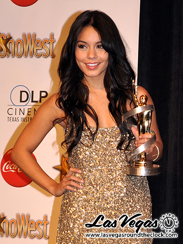 2010_ShoWest_Vanessa_Hudgins_060