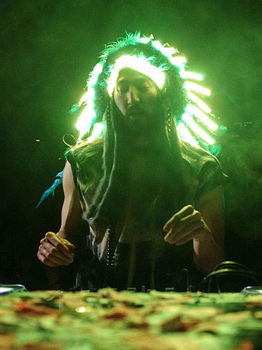 Steve Aoki Headdress Hakkasan LV Grand Opening Weekend Powers