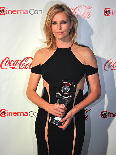 CinemaCon_2012_Charlize_Theron_4