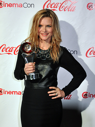 CinemaCon_2012_Michelle_Pfeiffer_6