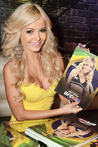 Octagon Girl Jhenny Andrade signing autographs at Rockhouse