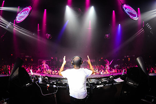 DJ Erick Morillo returned to LiFE Nightclub for his official residency  Powers Imagery