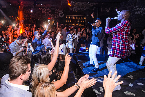 Nico and Vinz Perform at Foxtail 2