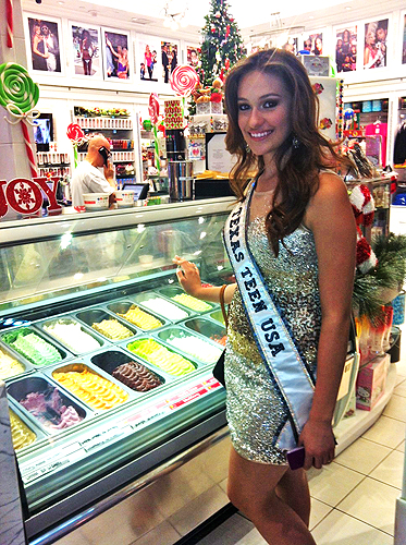 Daniella Rodriguez picking out gelato at Sugar Factory