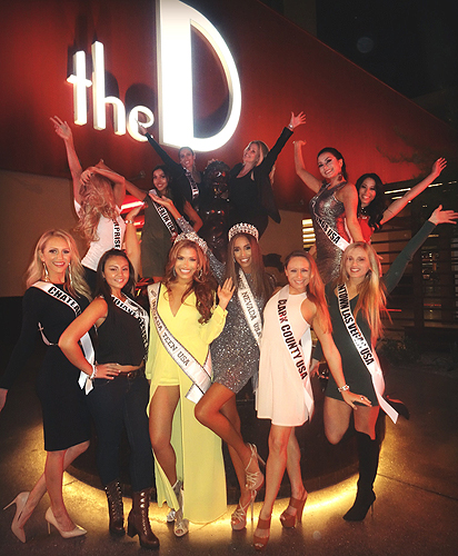 Miss Nevada USA Contestants with Manneken Pis