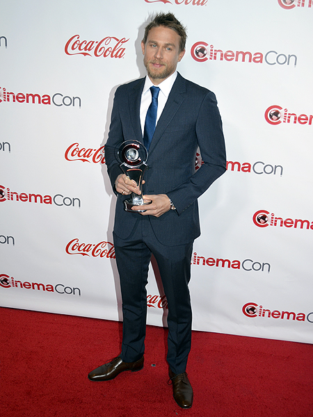 Charlie Hunnam 2017 CinemaCon Photo credit Stephen Thorburn 3393