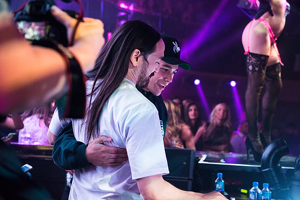 JEWEL Steve Aoki Austin Mahone Photo credit Michael Kirschbaum 3